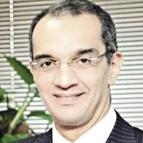 الدكتور عمرو طلعت وزير الإتصالات وتكنولوجيا المعلومات