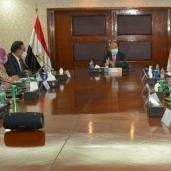 اجتماع وزيرالتنمية المحلية مع البنك الدولى