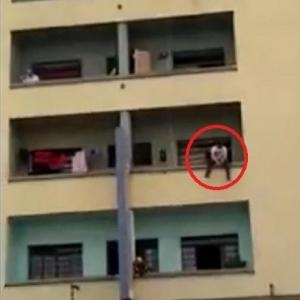 بالفيديو  إنقاذ رجل حاول الانتحار بطريقة مدهشة