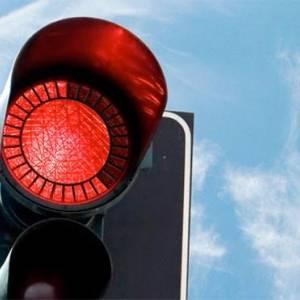 بالفيديو| كيف تعاقب الصين المشاة المخالفين لقوانين عبور الشارع؟