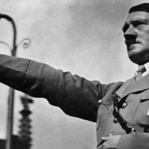 بالصور| حكاية صورة صديقة هتلر اليهودية