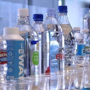 دراسة صادمة: عبوات المياه المعدنية خطر على الصحة