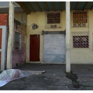 صور.. جثث ضحايا كورونا تتراكم في شوارع الإكوادور: مش ملاحقين يجمعوها