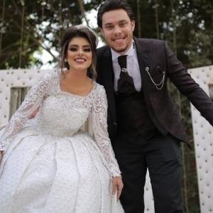 أحمد حسن يرد على ميلاد ابنته بعد 6 أشهر من الزواج: