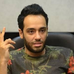 """""""خايفين يسلموا على رامي جمال"""".. هل مرض البهاق معدي؟"""