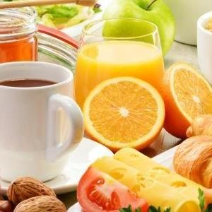 دراسة: عدم تناول وجبة الإفطار يصيب بالسمنة