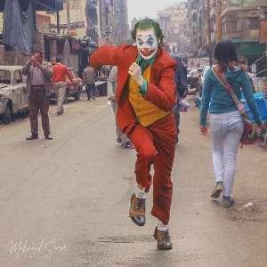 """الجوكر وقع في مصر.. """"آرثر"""" يجري داخل شوارع المحروسة"""