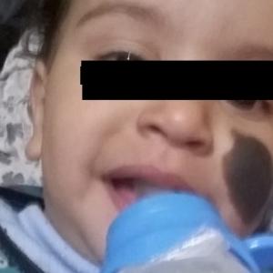 أول صورة لوالدة «طفلة التعرية» ضحية والدها بالدقهلية
