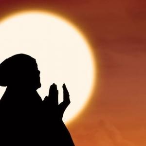 الإفتاء تحذر من هذه الصلاة في رجب: بدعة منكرة قبيحة