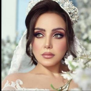 بالصور.. ابنة هيفاء وهبي تتألق في فستان الزفاف