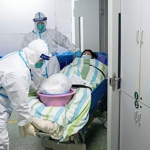 """""""المريضة رقم صفر"""".. أول مصابة بفيروس كورونا: ظننت أنها إنفلونزا عادية"""