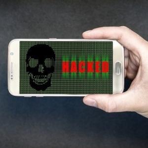 """يمكنها التجسس على هاتفك.. 261 تطبيقا حذرت منهم """"جوجل"""""""