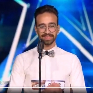 """كفاح شاب مصري.. أبكوه في """"Arabs Got Talent"""" مرتين فأبكاهم بأم كلثوم"""