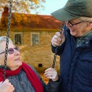 للمرة الـ26.. القبض على مسن عمره 91 عاما بسبب تقبيله لزوجته