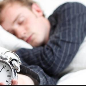 دراسة: قلة النوم تؤثر على التصويت في الانتخابات وتصيب بالسرطان