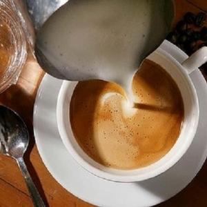 بعد حسم دراسة المكون الأول.. أضرار الشاي باللبن: قلق وأرق