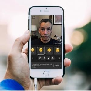 يعمل بالذكاء الاصطناعي.. تعرف على FaceApp تحدي السوشيال ميديا الجديد