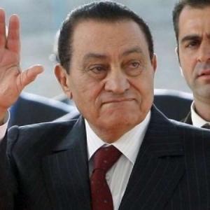 فيديو.. الظهور الوحيد لـ حسني مبارك بدون ماكياج