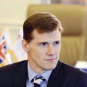 السفير البريطاني يعلن عن مفاجأة للمصريين في 22 نوفمبر: انتظرونا