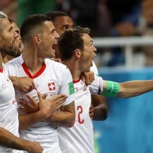 هل يتعرض ثنائي سويسرا لعقوبة بسبب احتفالهما بالفوز في لقاء صربيا؟