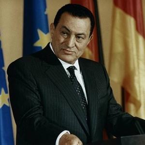 """ما هي """"الرفرفة الأذينية بالقلب"""" التي تسببت في موت حسني مبارك؟"""