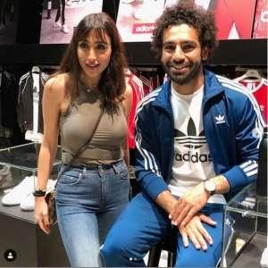 بالفيديو| محمد صلاح يثير الجدل بصور رفقة فنانة لبنانية في دبي