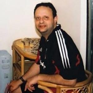 وفاة سائق تاكسي بعدما لمس نقود راكب مصاب بكورونا
