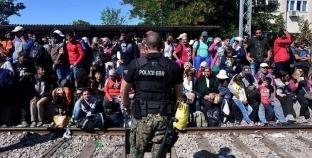 مقدونيا تحتجز 120 مهاجرا