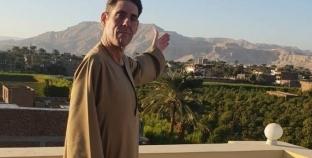 «دانيال».. مصور سويسرى يروّج للسياحة المصرية من الأقصر