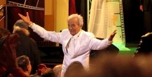 ناقد مسرحي يكشف كواليس العمل مع سعيد عبد الغني