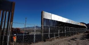 """""""جدار ترامب مع المكسيك"""" يعود إلى الواجهة"""