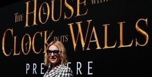 """الفيلم الأمريكي """"المنزل ذو الساعات"""" يتصدر إيرادات السينما الأمريكية"""