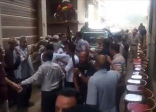"""هتافات المسلمين والأقباط تتلاحم لوداع الشهيد أبانوب: """"الإرهابي عدو الله"""""""