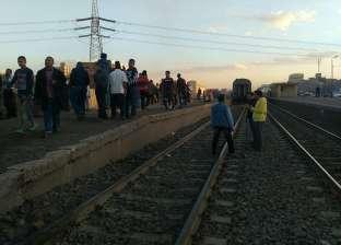 مصرع طفلة أسفل عجلات القطار المتجه إلى السويس