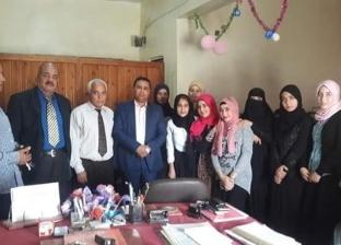 رئيس مدينة بئر العبد يلتقي عددا من المواطنين لحل مشكلاتهم