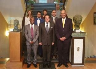 وزير التعليم العالي يزور المكتب الثقافي المصري في إسبانيا