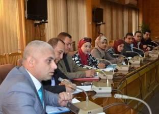 محافظ الإسماعيلية يبحث إنشاء اتحاد عام لتمكين شباب المحافظة