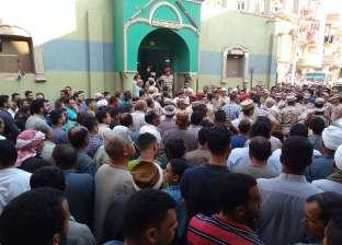 بالصور| أهالي ديرب نجم يستعدون لتشييع جثمان الشهيد النقيب أحمد جودة