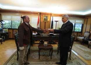 مدير شرطة النقل والمواصلات يكرم أمين شرطة ومجند لأدائهم المتميز