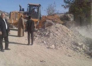 حملة لإزالة التعديات على الأراضي الزراعية فى بني مزار