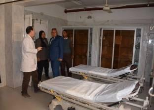 محافظ الوادي الجديد يتفقد مستشفي الخارجة العام ويستمع لمطالب المرضي