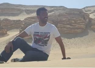 """خالد النبوي ينشر صورا من """"واحة الغروب"""": محمود عبد الظاهر في لحظة تأمل"""