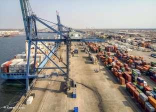 ميناء دمياط يستقبل 3 سفن حاويات و5 سفن بضائع