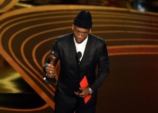 """المسلم """"ماهرشالا علي"""" يفوز بجائزة أوسكار أفضل ممثل مساعد للمرة الثانية"""
