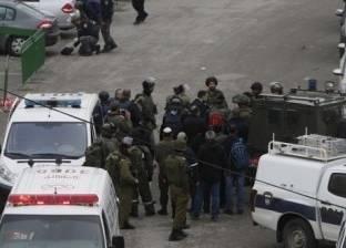 مستوطنون يتلفون إطارات سيارات قرب رام الله