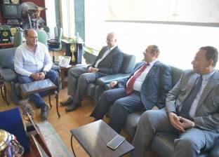 """أبوزيد يستقبل لجنة """"الأعلى للجامعات"""" لبحث استقلال جامعة مطروح"""