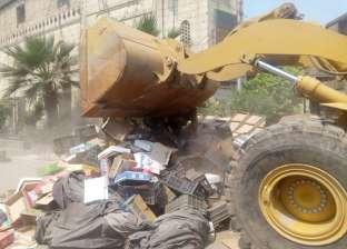تحرير 8 محاضر بيئية وغلق 7 كافيهات مخالفة في سوق العاشر