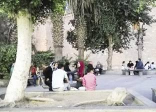 شارع المعز.. الإفطار فى الورش وعلى موائد الرحمن و«ممكن تجيب أكلك معاك وتتفسح»