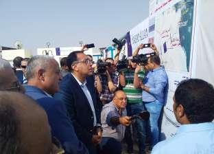 بالصور| رئيس الوزراء يتفقد مشروع إنشاء مدينة ناصر الجديده بأسيوط