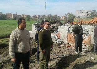 بالصور  حملة إزالات مكبرة بقرية العنانية بدمياط